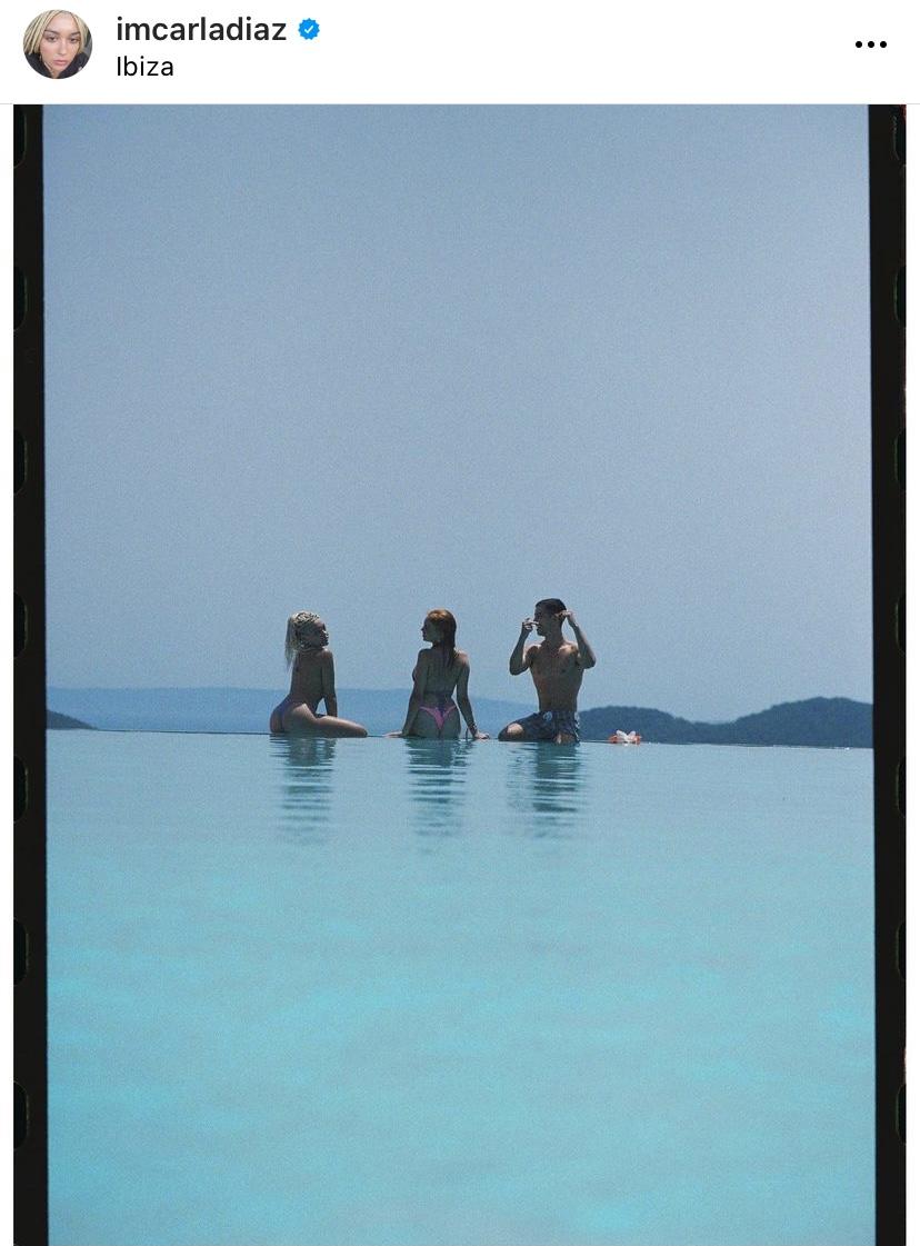 Carla, Manu y Martina en la playa