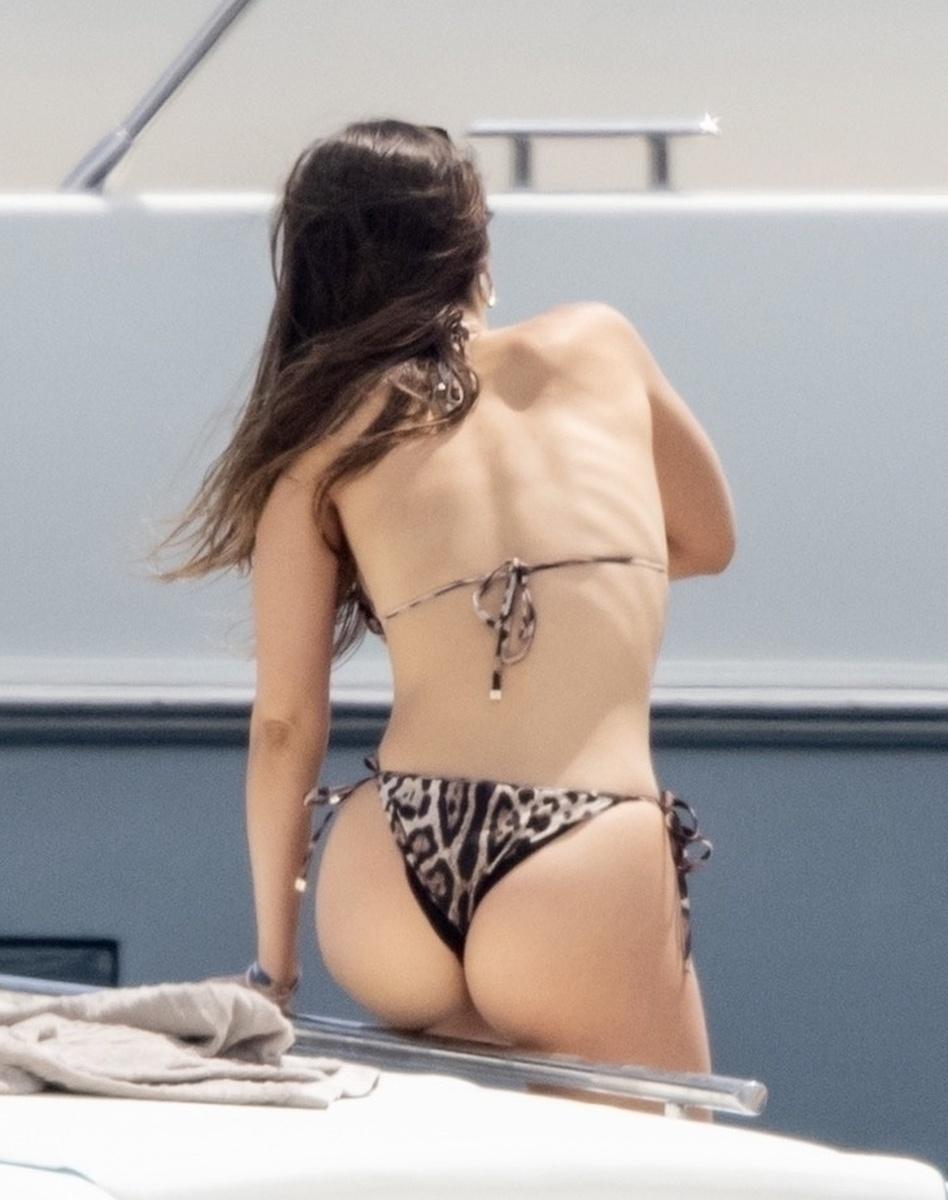 Marco Asensio y su novia Sandra vacacionan en Capri fotos exclusivas