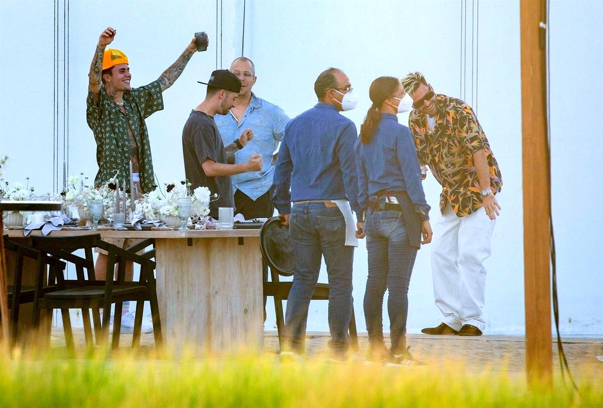 Justin Bieber fumando
