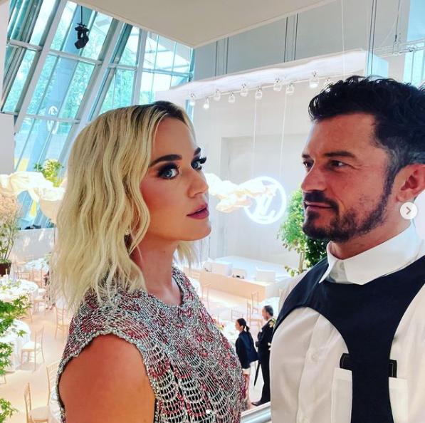 Katy Perry y su chico. El Luisvi de Orlando es un arnés de la firma, a la venta por 850 euros