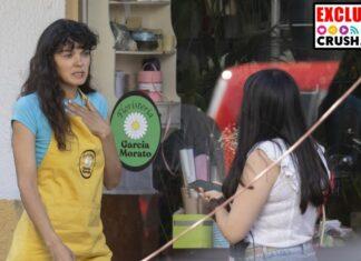 Ana Rujas con una compañera del equipo