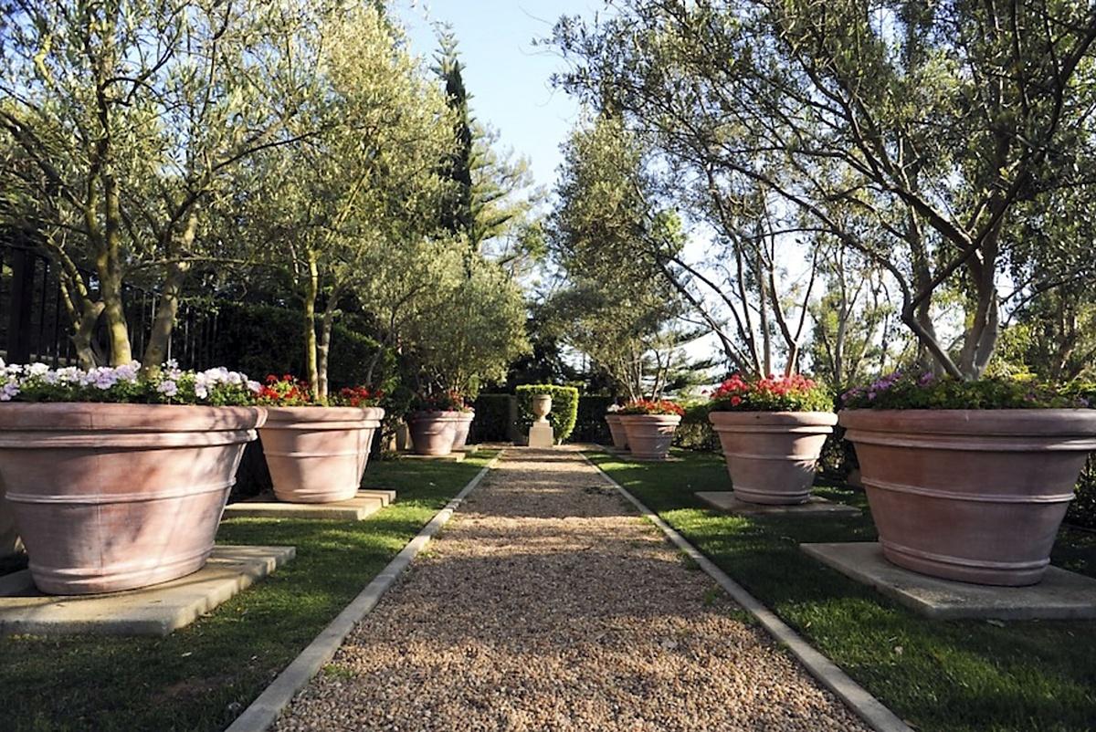 Fotos de los jardines de la nueva mansión de The Weeknd en Bel-Air