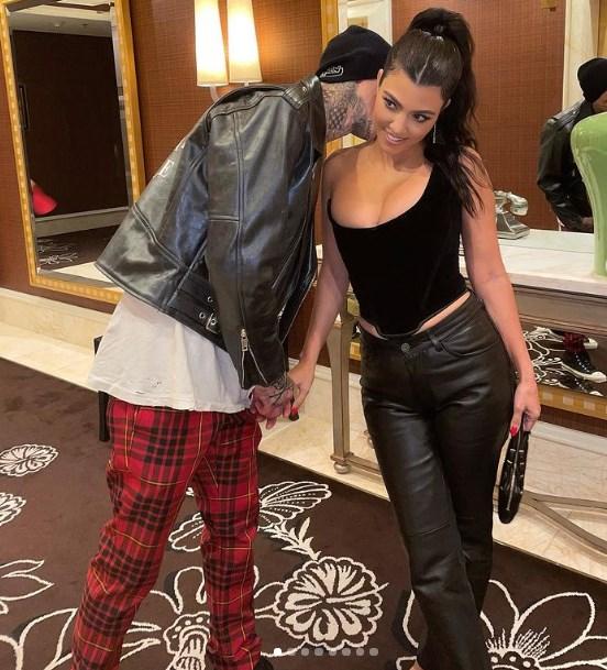 Kourtney Kardashian y Travis Barker se casaron a escondidas? Hay muchas pistas