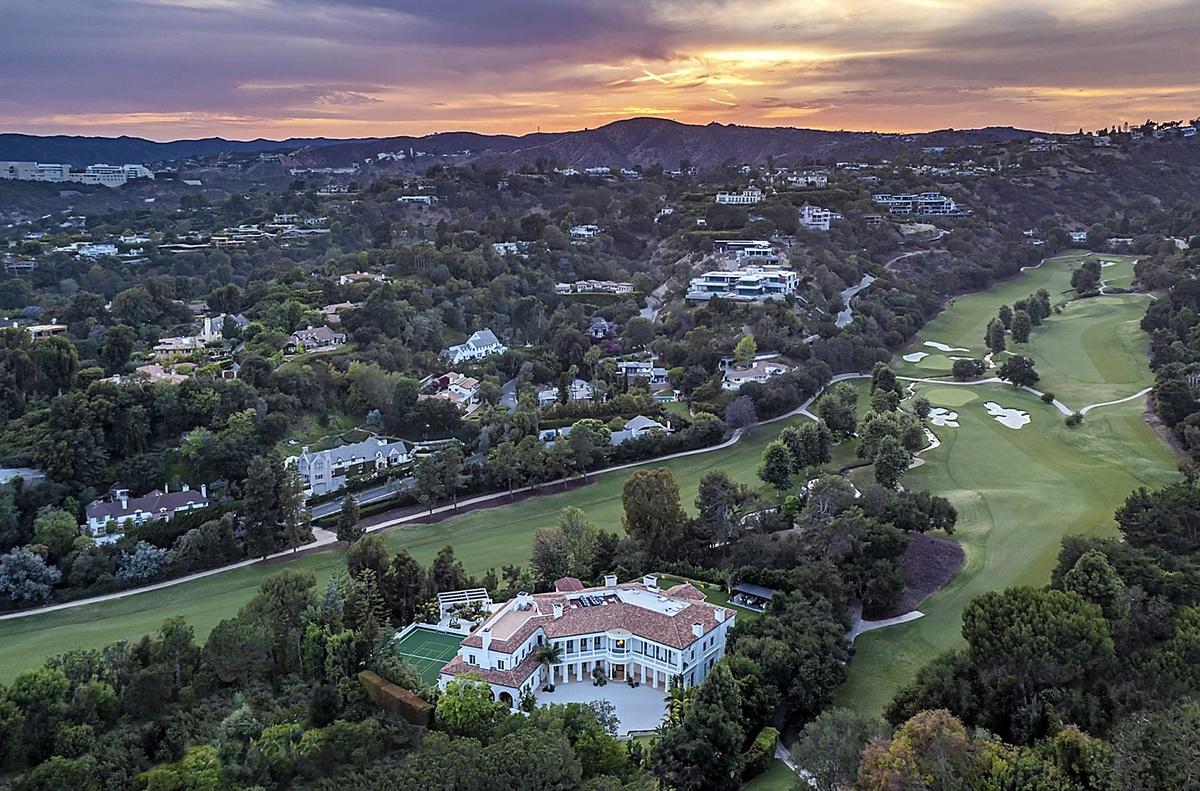 The Weeknd compra mansión de lujo en Bel-Air de 3065 metros cuadrados