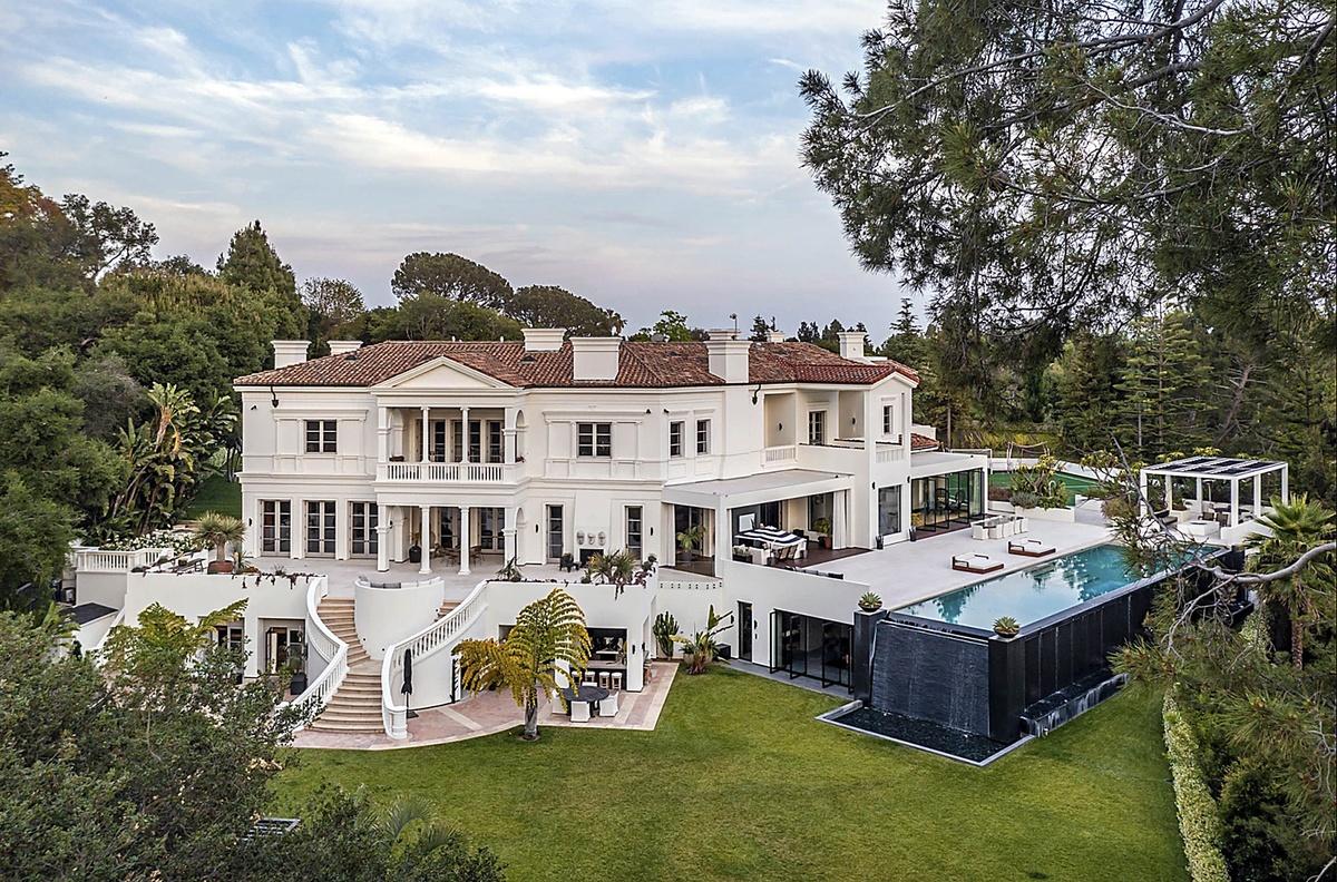 The Weeknd compra mansión de lujo en Bel-Air por 70 millones con campo de golf