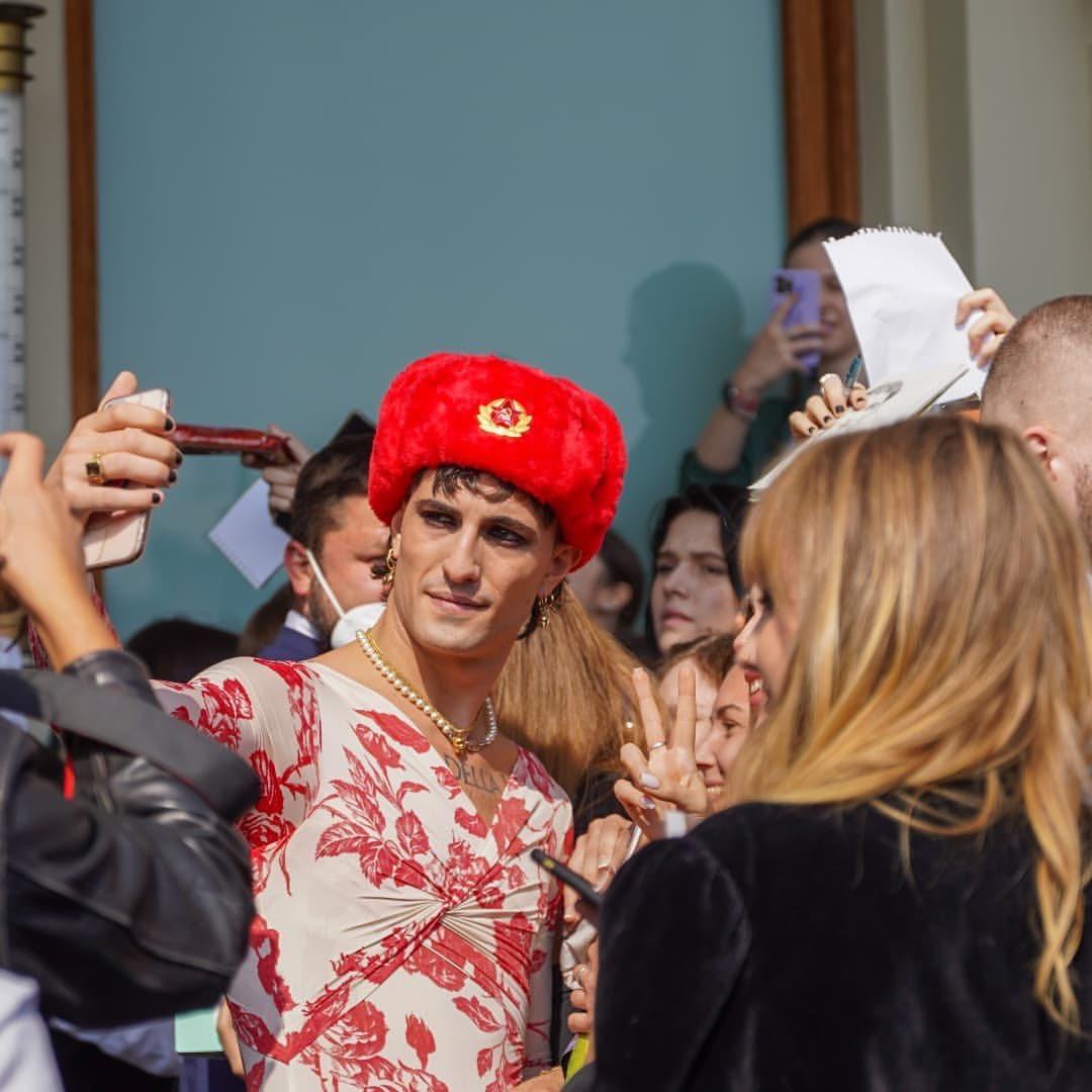 El look de Damiano en Moscú ha dado mucho que hablar
