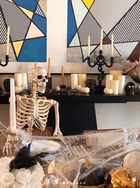 Decoración de Halloween en la casa de Kourtney Kardashian